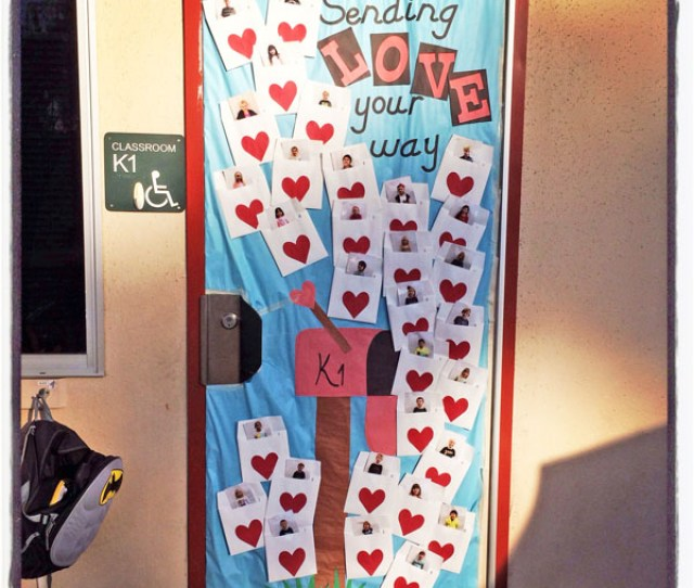 Sending Love Your Way Featured In  Valentines Day Classroom Door Decorating Ideas Onecreativemommy