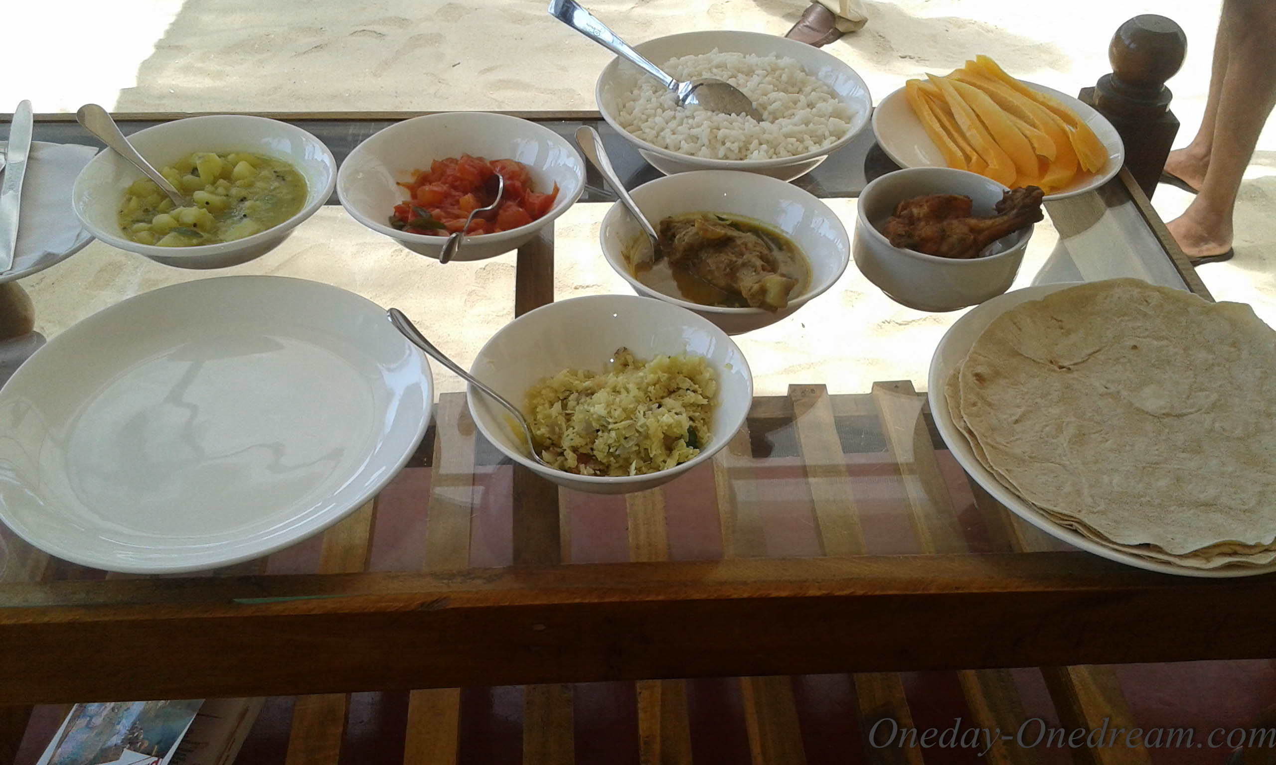 marari-beach-homestay-meal