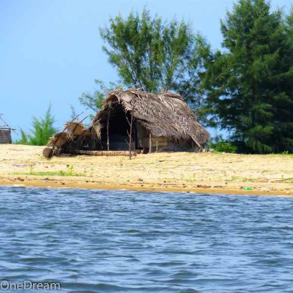 batticaloa-fisherman-house