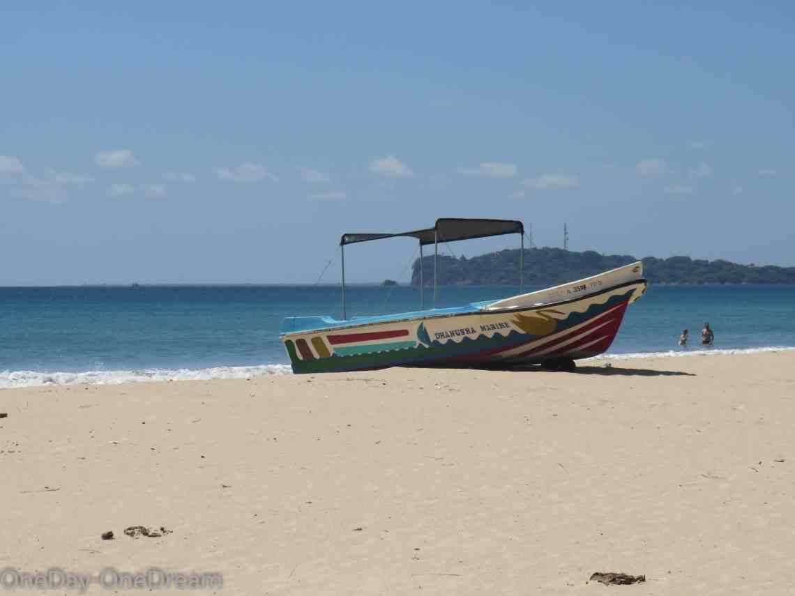 sri-lanka-beach-uppuveli