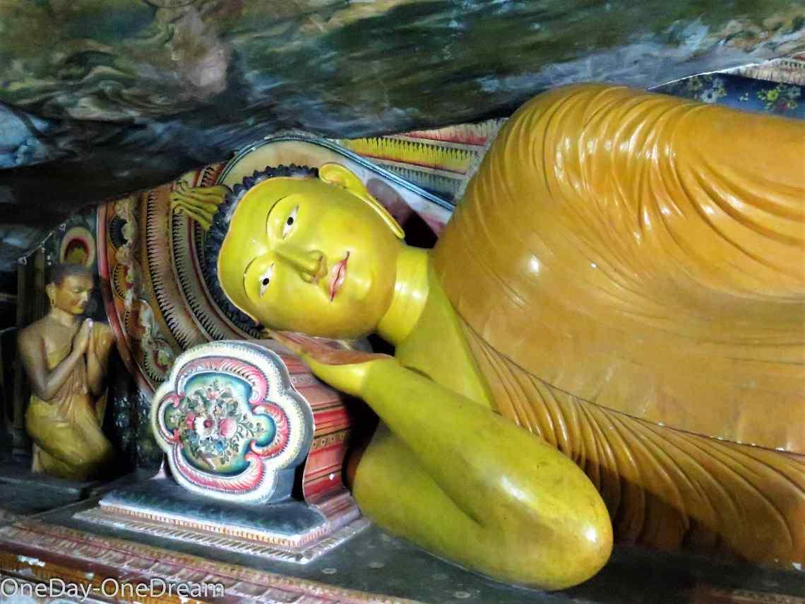 rock-temple-buddha