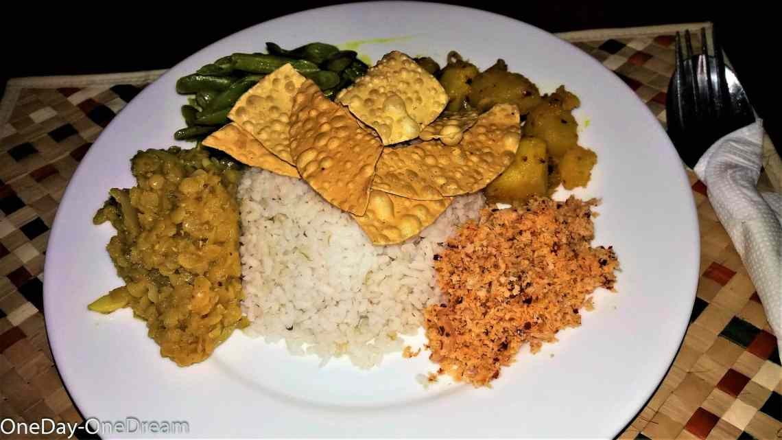 shiva's-beach-cabanas-rice&curry