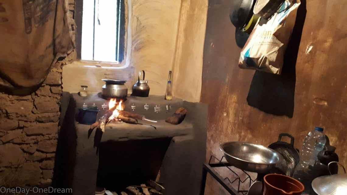 kitchen tea workers