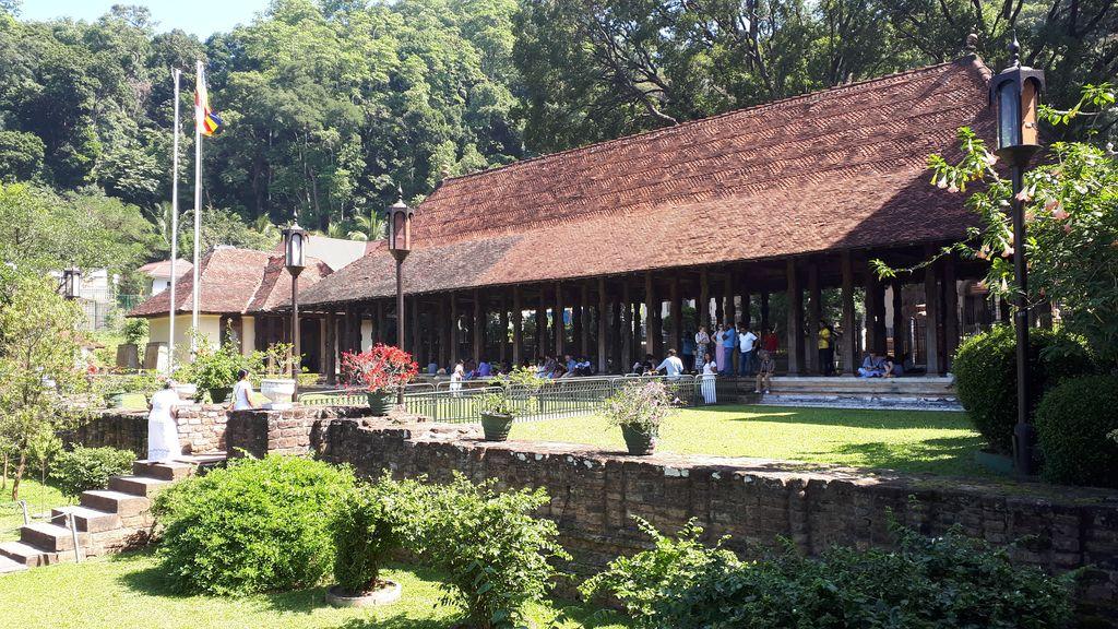 temple-dent-kandy-jardins