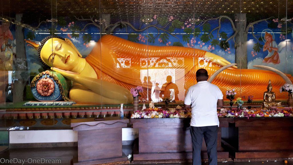 bouddha-anuradhapura