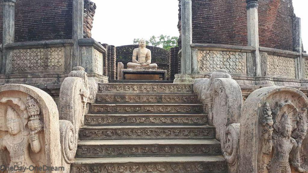 polonnaruwa-temple