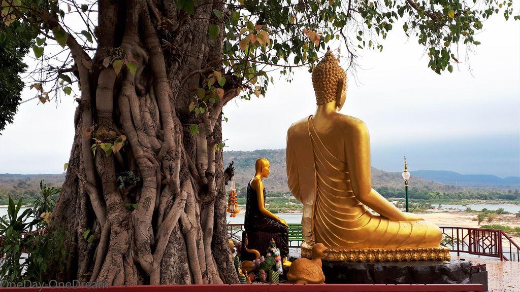 isan-buddha-thailand