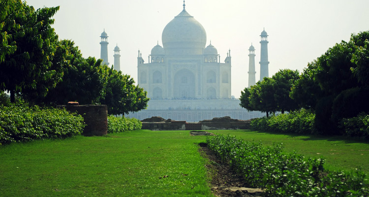 One Day Agra, Mathura and Vrindavan Local Sightseeing Trip by Car Mehtab Bagh