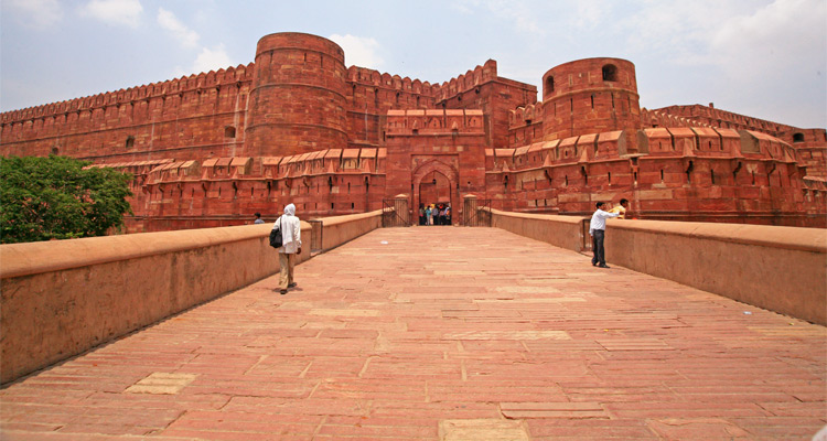 One Day Agra, Mathura and Vrindavan Local Sightseeing Trip by Car Red Fort