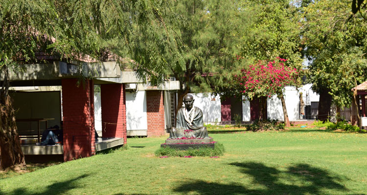One Day Ahmedabad Local Sightseeing Trip by Car Sabarmati Ashram