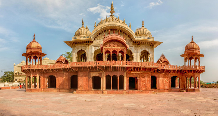 One Day Alwar Local Sightseeing Trip by Car Moosi Maharani Ki Chhatri