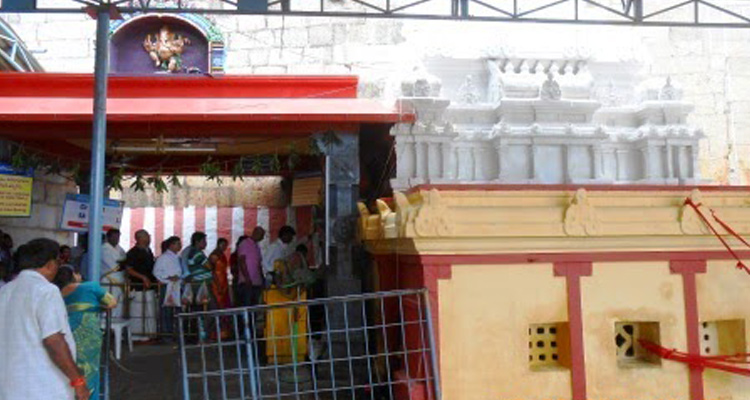 One Day Chennai to Kalhasti Trip by Car Pathala Vinayaka Temple