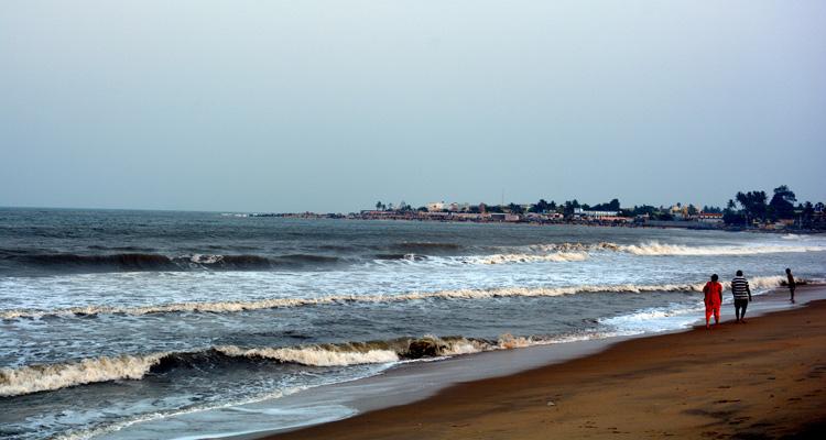 One Day Chennai to Mahabalipuram Trip by Car Covelong Beach