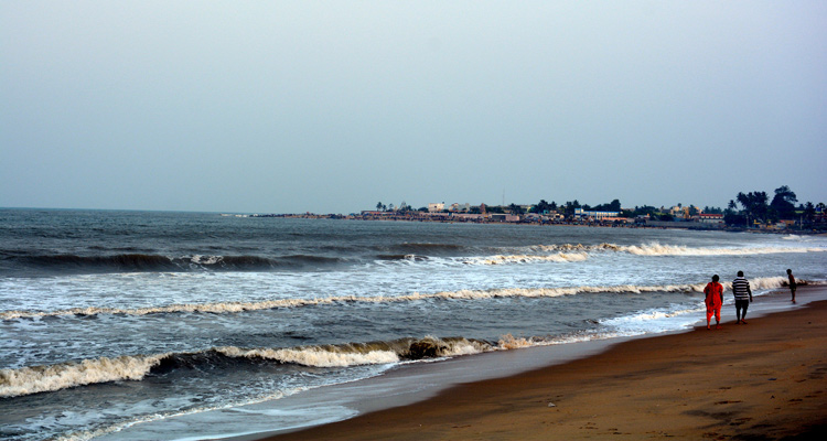One Day Chennai to Mahabalipuram Trip by Car Covelong Beach