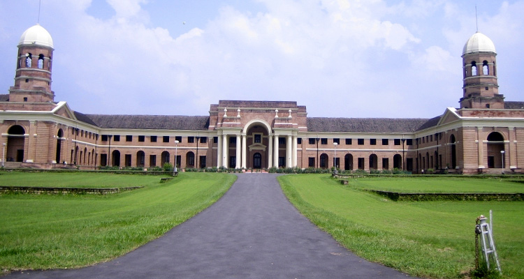 One Day Dehradun Local Sightseeing Trip by Car Zonal Museum
