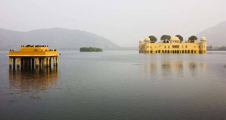 One Day Delhi to Jaipur Trip by Car Jal Mahal