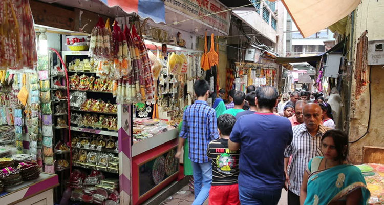 Shopping @One Day Delhi to Mathura and Vrindavan Trip by Car Vrindavan & Mathura