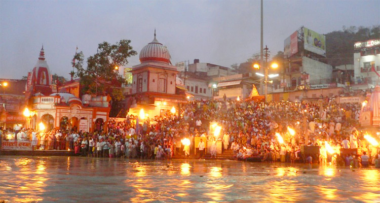 Visit Ganga Aarti with One Day Haridwar and Rishikesh Local Sightseeing Trip by Cab