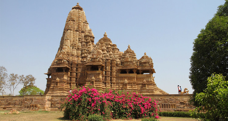 One Day Khajuraho Local Sightseeing Trip by Car Kandariya Mahadev Temple