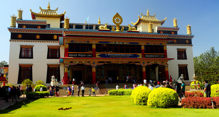 One Day Mysore to Coorg Trip by Car Tibetan Monastery / Tibetan Golden Temple
