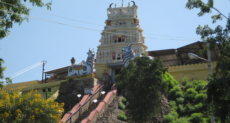 One Day Mysore to Shivanasamudra Falls Trip by Car Mudukuthore Mallikarjuna Temple