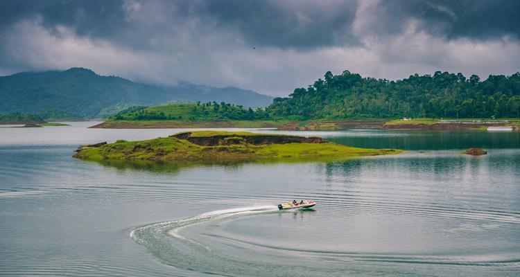 One Day Mysore to Wayanad Trip by Car Banasura Sagar Dam