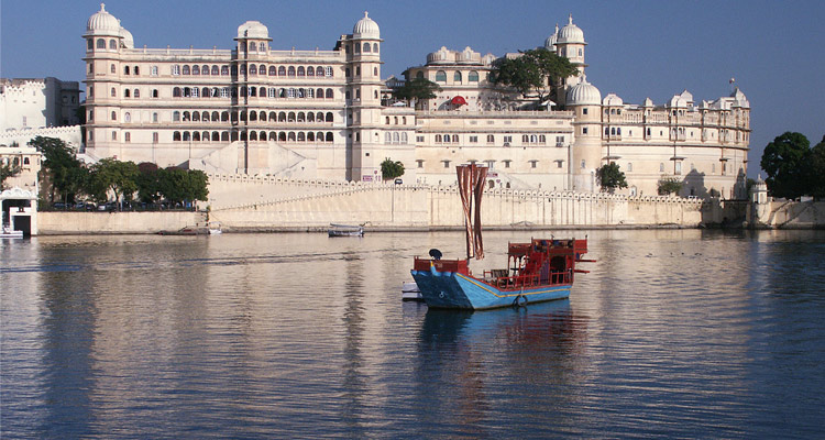 One Day Udaipur Local Sightseeing Trip by Car City Palace