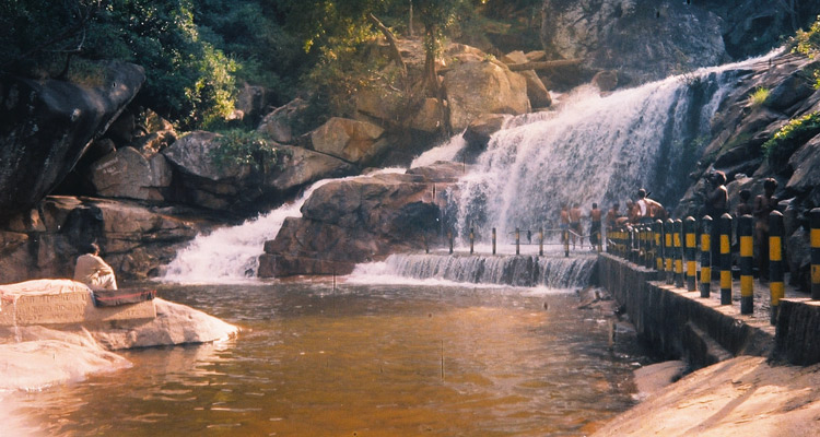 1 Day Coimbatore to Palani Tour by Cab Thirumoorthy Falls