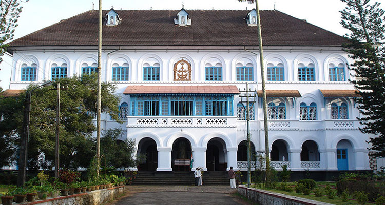1 Day Coimbatore to Thrissur and Guruvayur Tour by Cab Thrissur State Museum