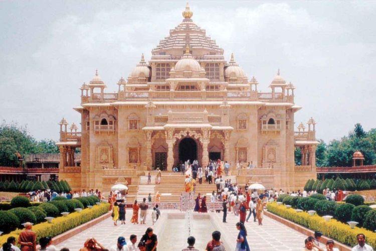 Akshardham Temple w/ Ahmedabad City Tour by Cab