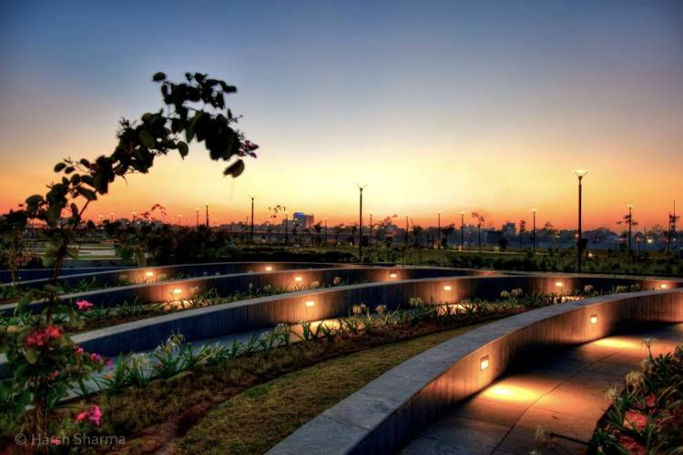 Riverfront Flower Garden w/ Ahmedabad City Tour by Cab