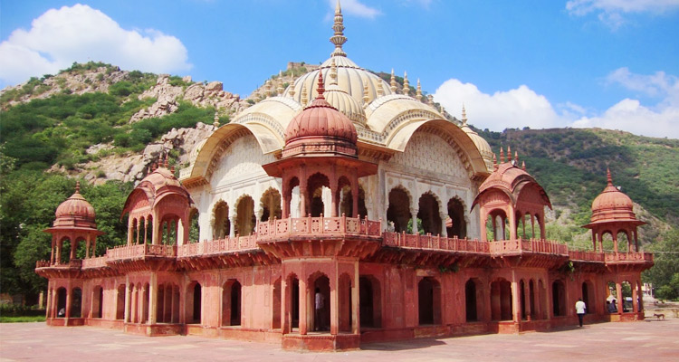1 Day Alwar Local Sightseeing Tour by Cab Maharani ki Chhatri