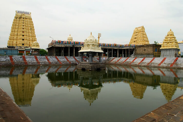 Ekambareswarar temple with 1 Day Chennai to Mahabalipuram & Kanchipuram Trip by Cab