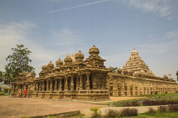 Kailasanathar temple with 1 Day Chennai to Mahabalipuram & Kanchipuram Trip by Cab