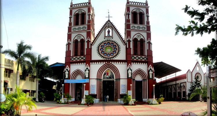 1 Day Chennai to Pondicherry Tour by Cab Church of Sacred Heart of Jesus