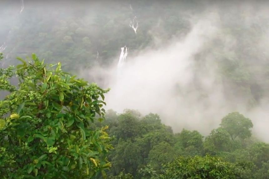 1 Day Lonavala Sightseeing Tour by Taxi View from Shooting Point