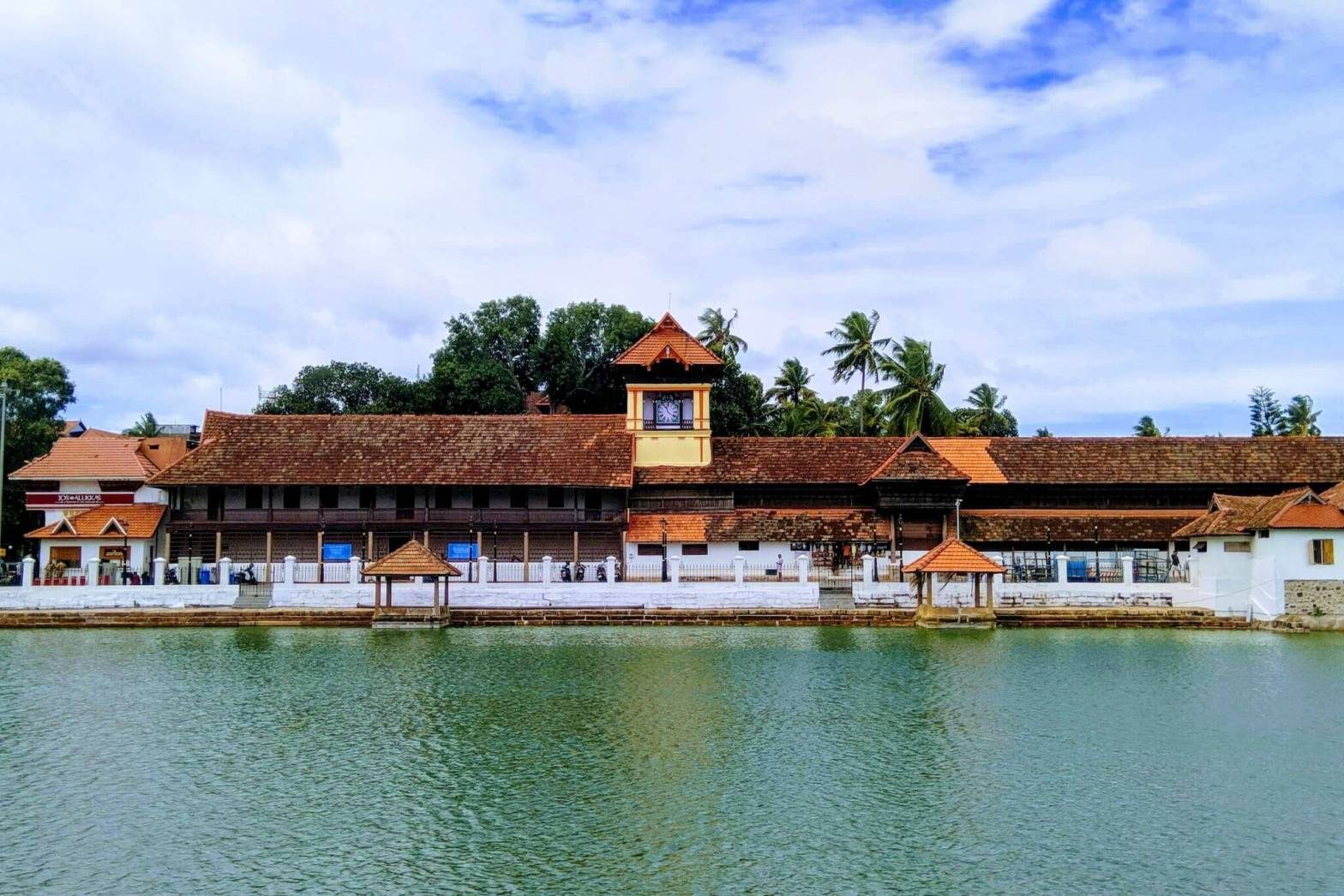 One Day Thiruvananthapuram Local Sightseeing Trip by Car