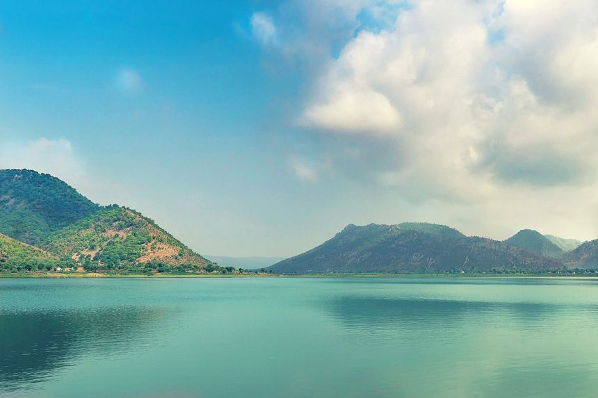 Siliserh Lake on Alwar Day Tour from Delhi by Private Cab