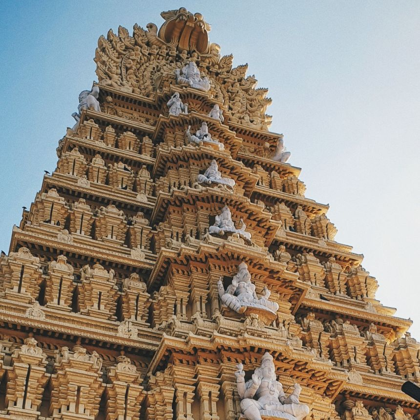 Visit Chamundi Hills with One Day Bangalore to Mysore Trip by Cab