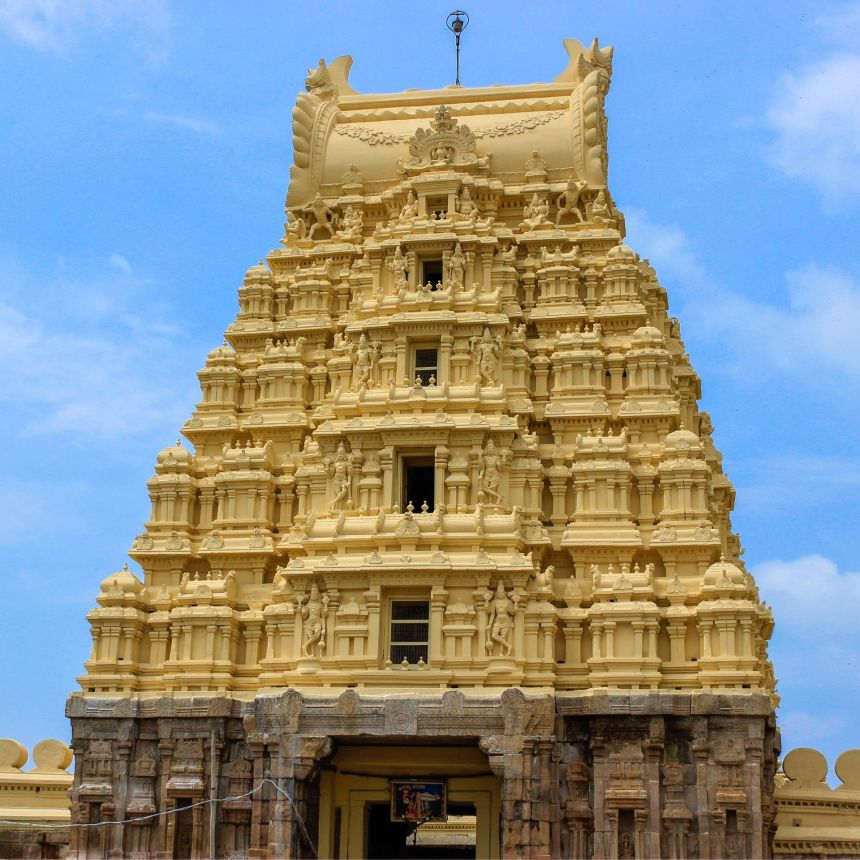 Visit Ranganathaswamy Temple with One Day Bangalore to Mysore Trip by Cab