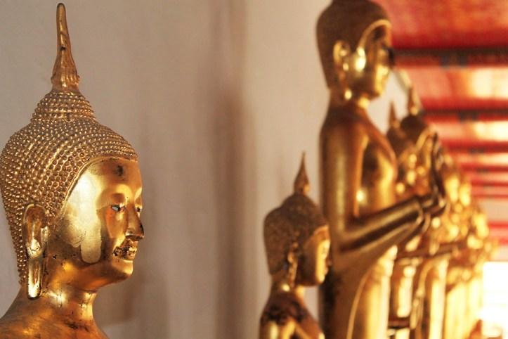 Wat Pho Golden Buddha Statues