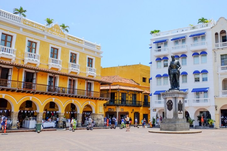 Torre del Reloj Plaza