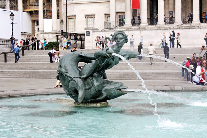 Trafalgar Square London Guide