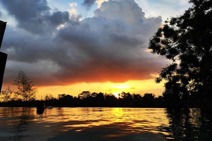 Bisma Eight pool sunset
