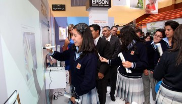 Epson aporta su tecnología para las aulas del futuro