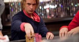 El hombre sin identidad del póker online