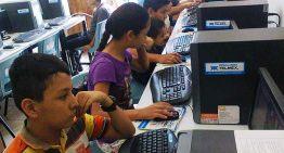 El libre acceso a Internet en las escuelas puede ser aprovechado por los acosadores cibernéticos
