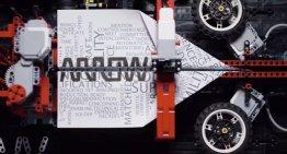 Desarrollan con LEGO un máquina para crear y lanzar aviones de papel