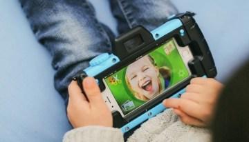 Pixlplay, proyecto de Kickstarter que convierte cualquier smartphone en una cámara de fotos para niños