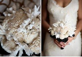 Téli menyasszonyi csokor /Winter wedding bridal bouquet Forrás:http://www.planningelegance.com